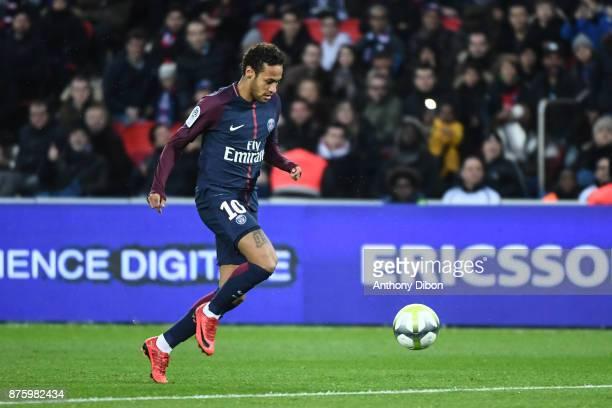 Neymar Jr of PSG during the Ligue 1 match between Paris Saint Germain and Nantes at Parc des Princes on November 18 2017 in Paris
