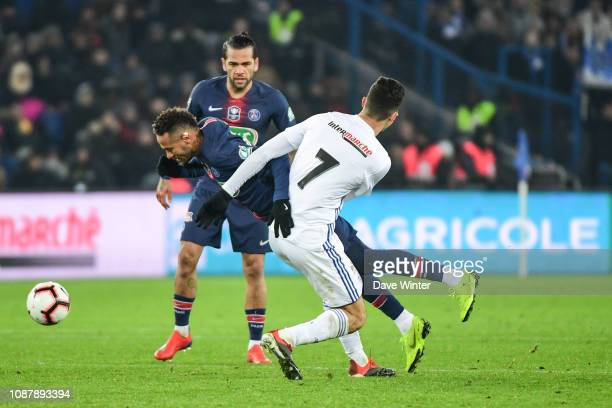 Neymar JR of PSG is injured after being fouled by Moataz Zemzemi of Strasbourg during the French Cup match between Paris Saint Germain and Strasbourg...