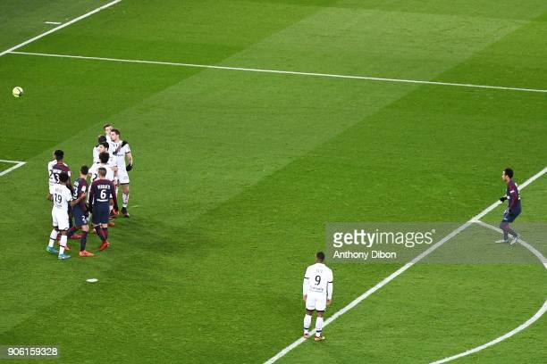 Neymar Jr of PSG scores a free kick during the Ligue 1 match between Paris Saint Germain and Dijon FCO at Parc des Princes on January 17 2018 in Paris