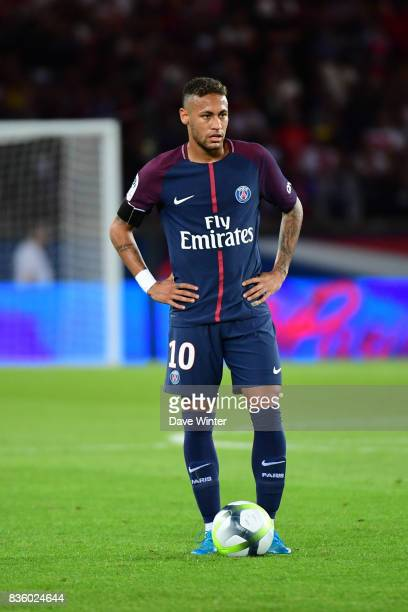 Neymar JR of PSG stands over a free kick during the Ligue 1 match between Paris Saint Germain and Toulouse at Parc des Princes on August 20 2017 in...