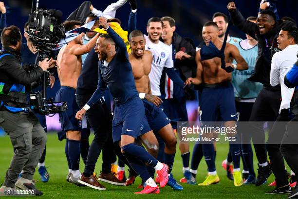 Neymar Jr Presnel Kimpembe Kylian Mbappe and Mauro Icardi of Paris SaintGermain celebrate victory 20 over Borussia Dortmund during the UEFA Champions...