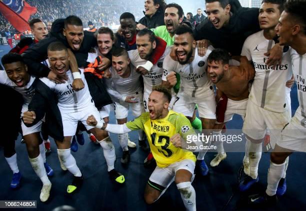 Neymar Jr with Presnel Kimpembe Kylian Mbappe Alphonse Areola Adrien Rabiot Marco Verratti Dani Alves Eric Maxim ChoupoMoting Juan Bernat Gianluigi...