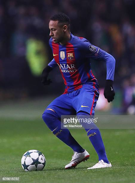 Neymar of Barcelona controls the ball during the UEFA Champions League match between Celtic FC and FC Barcelona at Celtic Park Stadium on November 23...