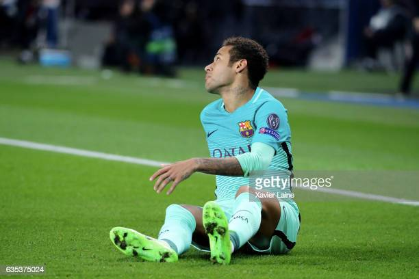 Neymar of Barcelona FC is disapointed during the UEFA Champions League Round of 16 first leg match between Paris SaintGermain and FC Barcelona at...