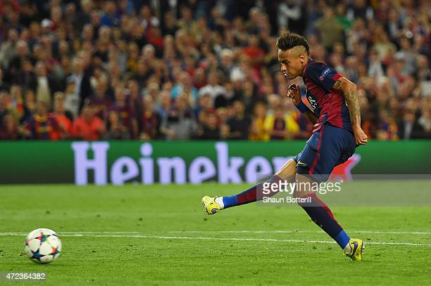 Neymar of Barcelona scores his team's third goal during the UEFA Champions League Semi Final first leg match between FC Barcelona and FC Bayern...
