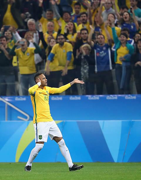 Neymar of Brazil celebrates after scoring a goal during the Men s Football  Quarter Final match between 044a577cf0376