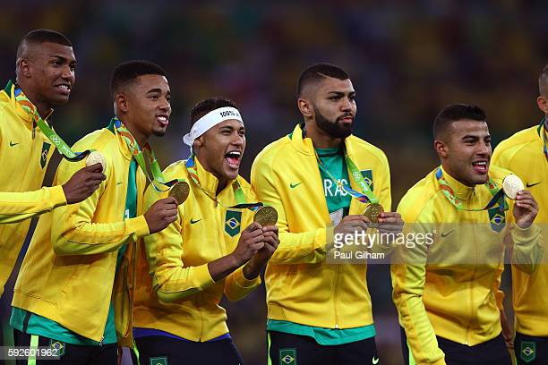 Neymar Brazil Soccer Team Gold Medal 2016 Rio Olympic Poster 21 24x36 X-237