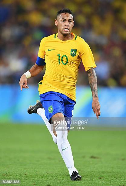 Neymar of Brazil in action during the Olympic Men's Final Football match between Brazil and Germany at Maracana Stadium on August 20 2016 in Rio de...