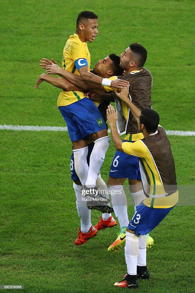 Brazil v Germany - Final: Men's Football - Olympics: Day 15 : News Photo