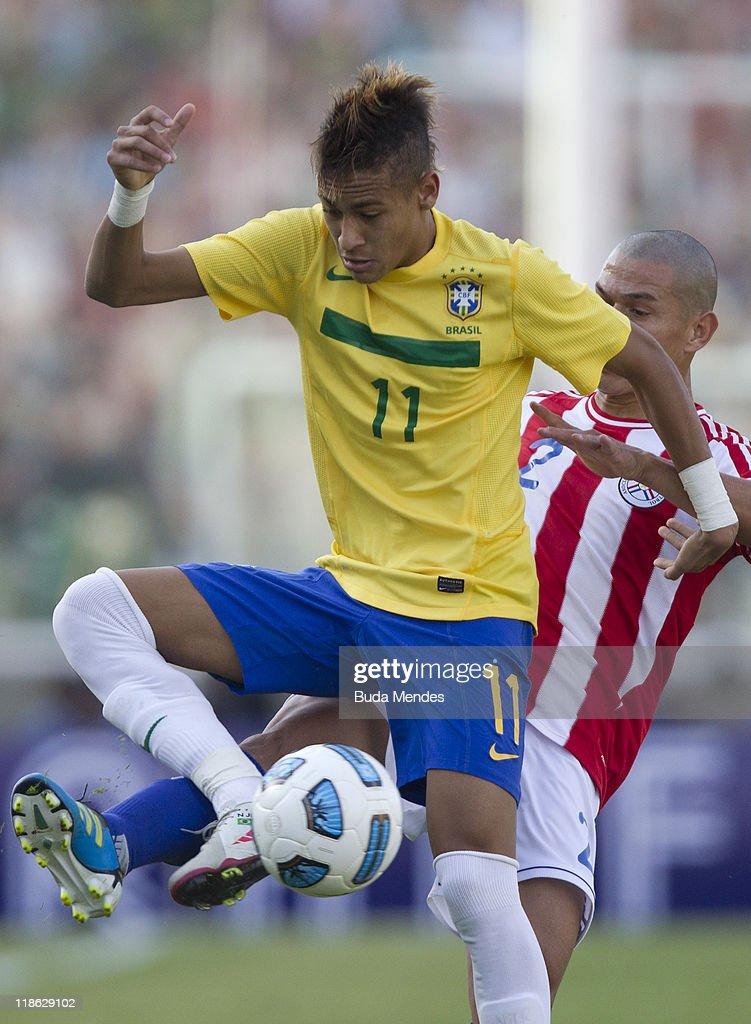 Brazil v Paraguay - Group B Copa America 2011