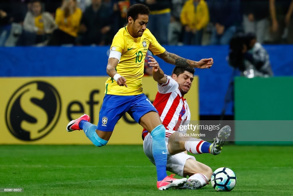 Brazil v Paraguay - 2018 FIFA World Cup Russia Qualifier : News Photo