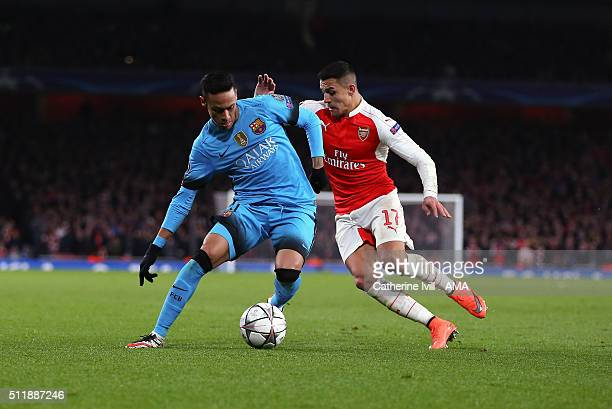 Neymar of FC Barcelona and Alexis Sanchez of Arsenal during the UEFA Champions League match between Arsenal and Barcelona at the Emirates Stadium on...