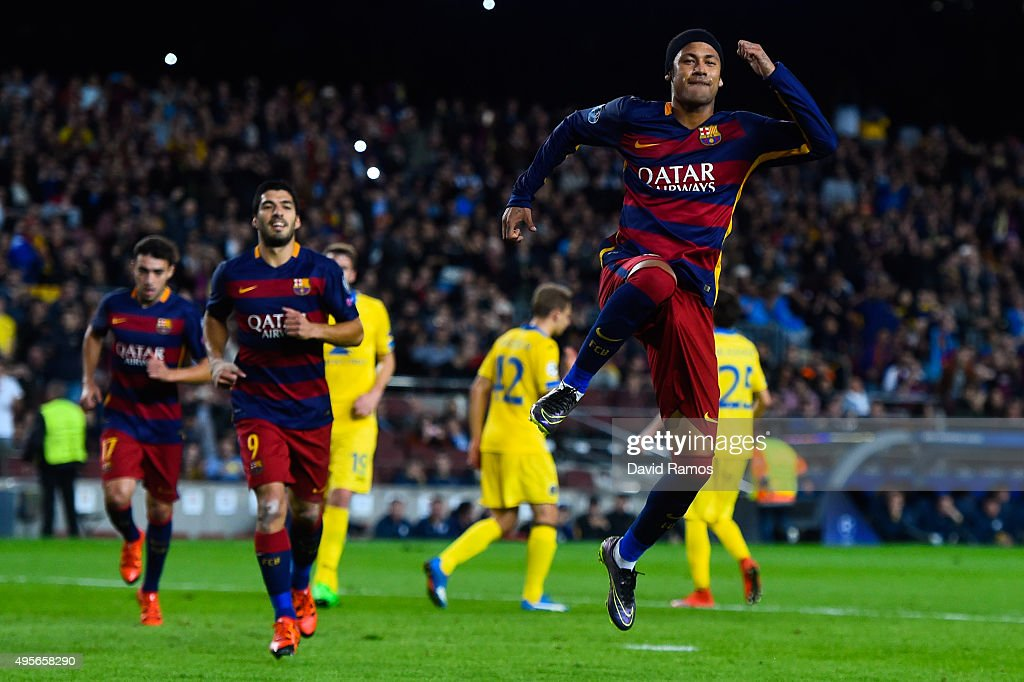 Neymar of FC Barcelona celebrates after scoring the opening goal from the penalty spot during the UEFA Champions League Group E match between FC Barcelona and FC BATE Borisov at the Camp Nou on November 4, 2015 in Barcelona, Spain.