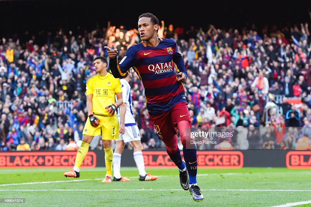 Neymar of FC Barcelona celebrates after scoring the opening goal during the La Liga match between FC Barcelona and Real Sociedad de Futbol at Camp Nou on November 28, 2015 in Barcelona, Spain.