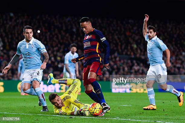 Neymar of FC Barcelona competes for the ball with Sergio Alvarez of RC Celta de Vigo during the La Liga match between FC Barcelona and Celta Vigo at...