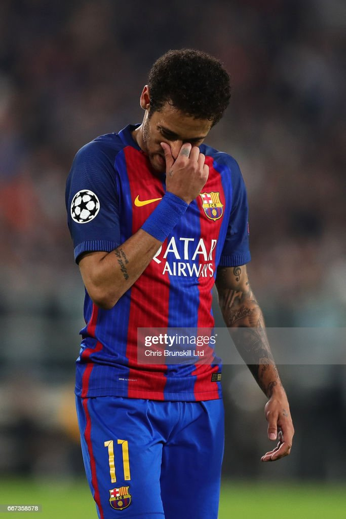 Neymar of FC Barcelona looks dejected during the UEFA Champions League Quarter Final first leg match between Juventus and FC Barcelona at Juventus Stadium on April 11, 2017 in Turin, Italy.
