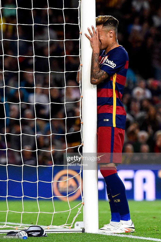 Neymar of FC Barcelona reacts after missing a chance to score during the La Liga match between FC Barcelona and Valencia CF at Camp Nou on April 17, 2016 in Barcelona, Spain.