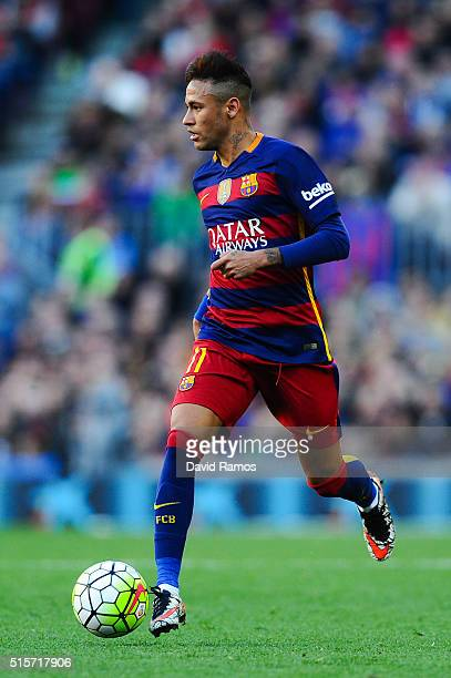 Neymar of FC Barcelona runs with the ball during the La Liga match between FC Barcelona and Getafe CF at Camp Nou on March 12 2016 in Barcelona Spain
