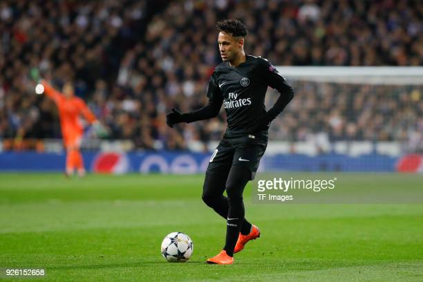 Neymar of Paris SaintGermain controls the ball during the UEFA Champions League Round of 16 First Leg match between Real Madrid and Paris...