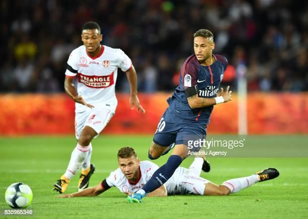 Neymar of Paris SaintGermain in action during the French Ligue 1 soccer match between Paris SaintGermain and Toulouse FC at the Parc des Princes...