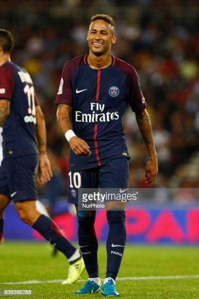 Neymar of Paris SaintGermain reacts during the Ligue 1 match between Paris SaintGermain ans AS SaintEtienne at Parc des Princes on August 25 2017 in...