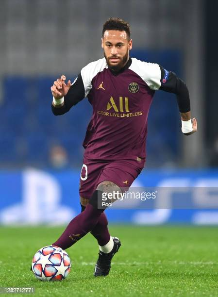 Neymar of Paris SaintGermain runs with the ball during the UEFA Champions League Group H stage match between Istanbul Basaksehir and Paris...