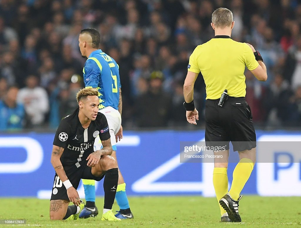 Image result for napoli vs psg neymar vs referee