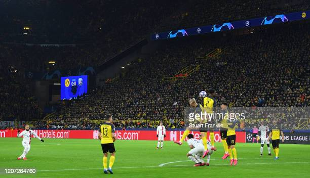 Neymar of Paris SG takes a free kick during the UEFA Champions League round of 16 first leg match between Borussia Dortmund and Paris SaintGermain at...