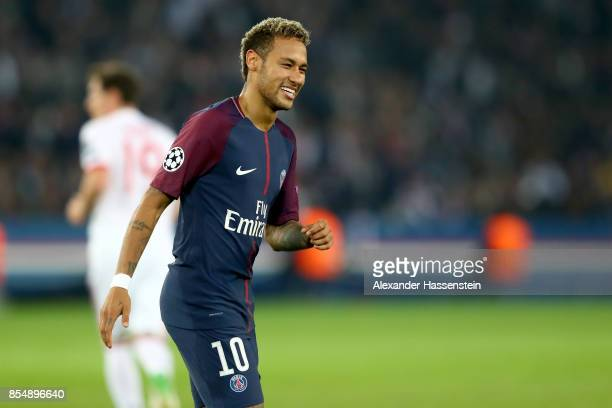 Neymar of Paris smiles during the UEFA Champions League group B match between Paris SaintGermain and Bayern Muenchen at Parc des Princes on September...