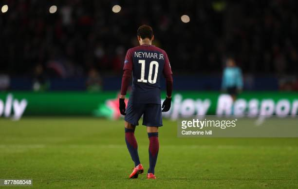 Neymar of PSG during the UEFA Champions League group B match between Paris SaintGermain and Celtic FC at Parc des Princes on November 22 2017 in...