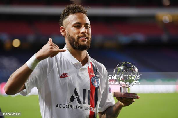 Neymar of PSG poses with his man of the match trophy during the UEFA Champions League Quarter Final match between Atalanta and Paris SaintGermain at...