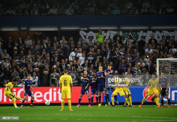 Neymar of PSG scores his sides third goal during the UEFA Champions League group B match between RSC Anderlecht and Paris Saint-Germain at Constant...