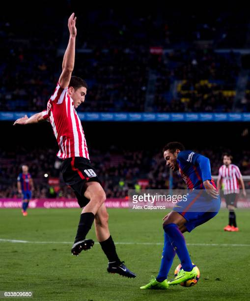 Neymar Santos Jr of FC Barcelona controls the ball next to Oscar de Marcos of Athletic Club during the La Liga match between FC Barcelona and...