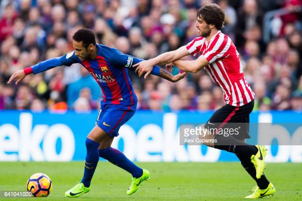 Neymar Santos Jr of FC Barcelona fights for the ball with Yeray Alvarez of Athletic Club during the La Liga match between FC Barcelona and Athletic...