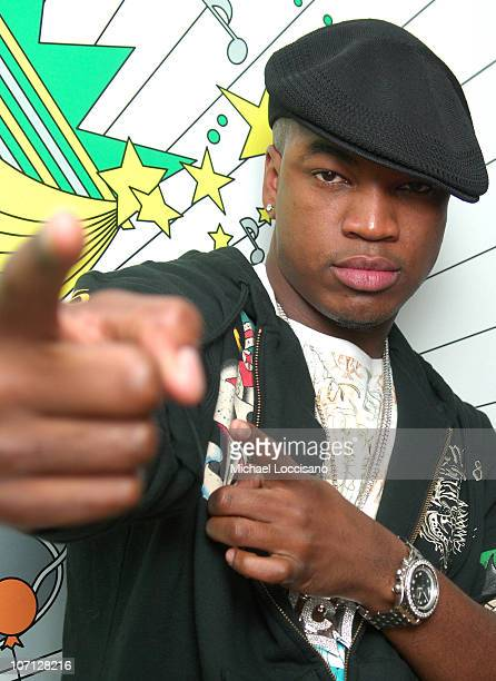 NeYo during NeYo Diego Luna and Obe Visit and Jennifer Pena Guest Host MTV Tr3s' MiTRL April 24 2007 at MTV Studios Times Square in New York City New...