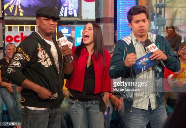 NeYo Jennifer Pena and MTV Tr3s VJ Carlos Sanchez
