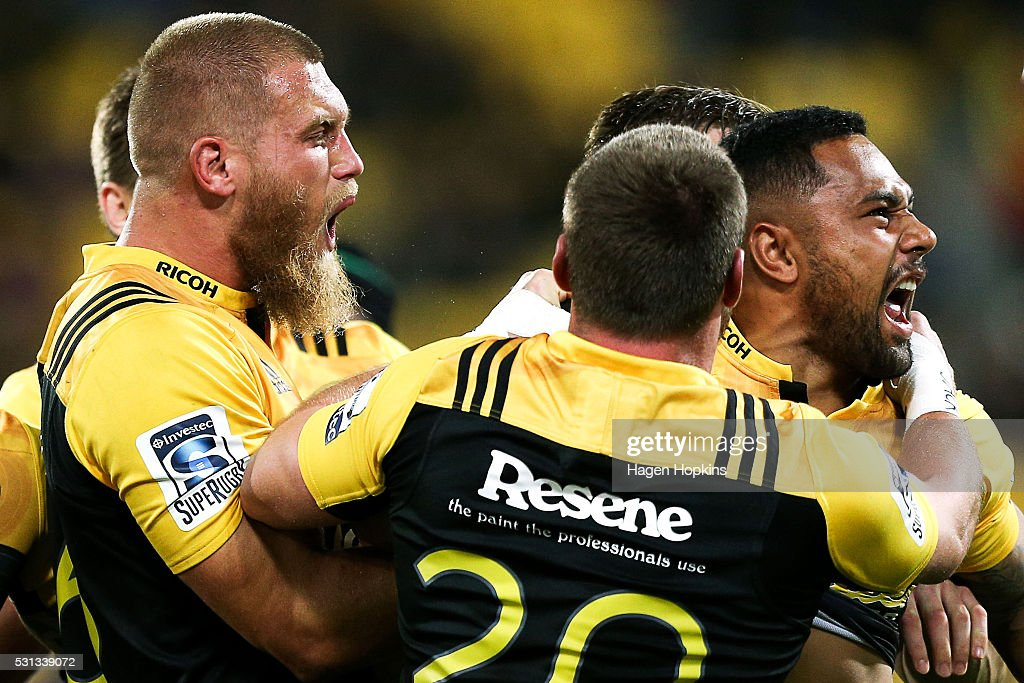 Super Rugby Rd 12 - Hurricanes v Reds : News Photo