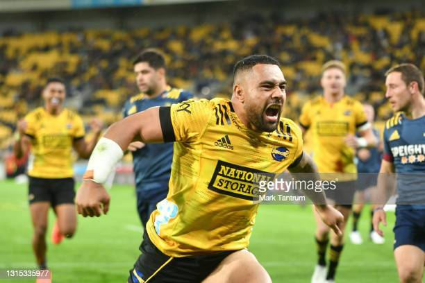 Ngani Luamape of the Hurricanes celebrates scoring a try during the round 10 Super Rugby Aotearoa match between the Hurricanes and the Highlanders at...