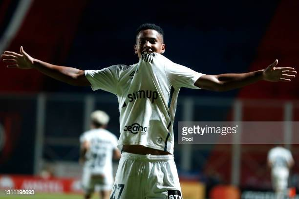 Ângelo of Santos celebrates after scoring the third goal of his team during a third round first leg match between San Lorenzo and Santos as part...