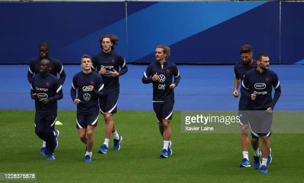Ngolo Kante Dayot Upamecano Lucas Digne Adrien Rabiot Antoine Griezmann Olivier Giroud and Hugo LLoris of France in action during the training...