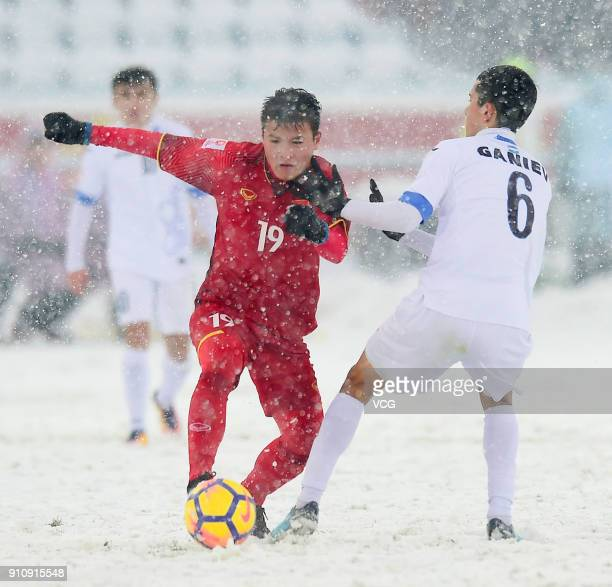 Nguyen Quang Hai of Vietnam controls the ball during the AFC U23 Championship China 2018 final match between Vietnam and Uzbekistan at Changzhou...