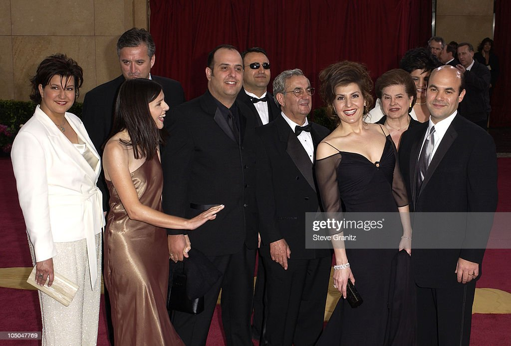 My Big Fat Greek Wedding Cast.Nia Vardalos And Part Of The Cast Of My Big Fat Greek
