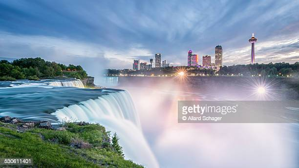niagara falls at sunset - niagara falls stock pictures, royalty-free photos & images