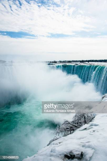 niagara falls during winter - niagara falls stock pictures, royalty-free photos & images