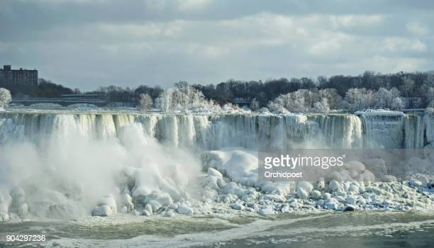 niagara falls in snow and ice - niagara river stock pictures, royalty-free photos & images