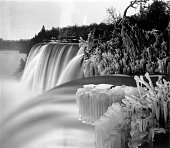 Niagara falls in winter seen from goat island luna island stands in picture id3134133?s=170x170