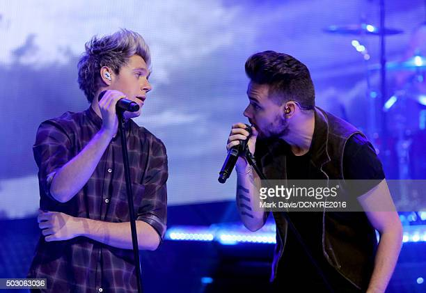 Niall Horan and Liam Payne of One Direction perform onstage at Dick Clark's New Year's Rockin' Eve with Ryan Seacrest 2016 on December 31 2015 in Los...