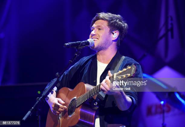 Niall Horan performs onstage at 1061 KISS FM's Jingle Ball 2017 Presented by Capital One at American Airlines Center on November 28 2017 in Dallas...