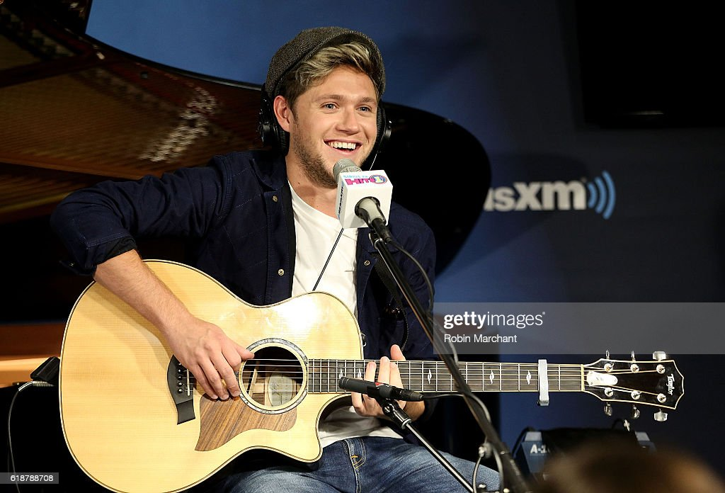 Niall Horan visits SiriusXM's Hit's 1 at SiriusXM Studio on October 28, 2016 in New York City.