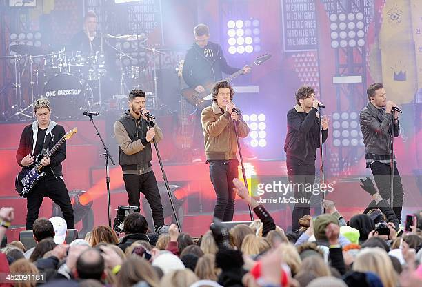 Niall HoranLiam Payne Harry Styles Louis Tomlinson and Zayn Malik of One Direction perform at Rumsey Playfield on November 26 2013 in New York City
